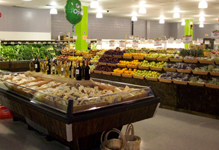 Refrigerated reach-ins and display cases for specialty food stores