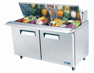 Restaurant and large-scale food preparation service prep tables and baine-maries