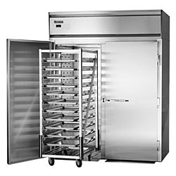 Roll-in service storage units for large-scale food service at catering halls and care centers.